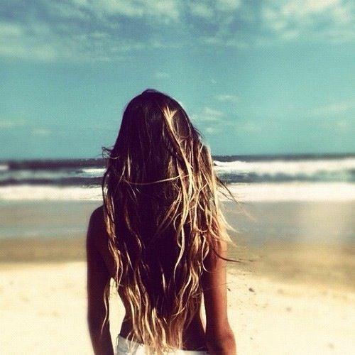 We love the natural wavy long hair look