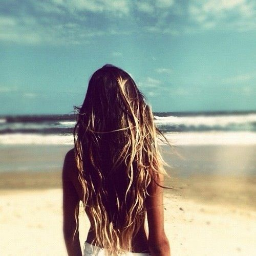 We love the natural wavy long hair look